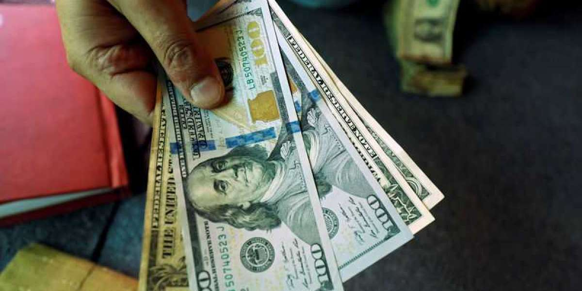 Dollar Edges Lower, Global Optimism Rises