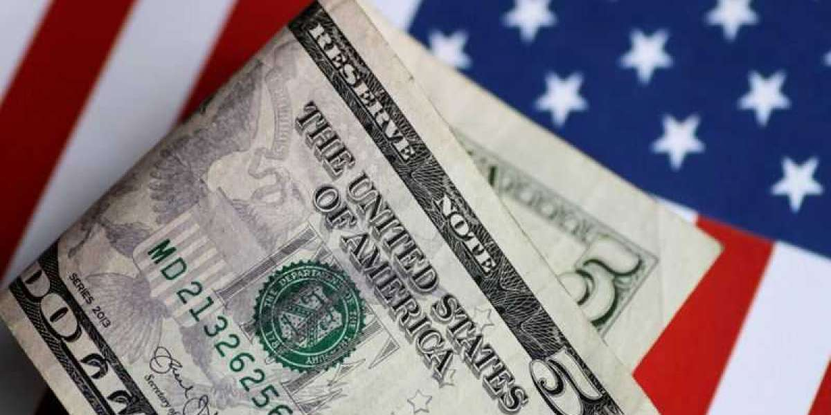 Dollar Weakens, Economic Recovery Optimism Grows